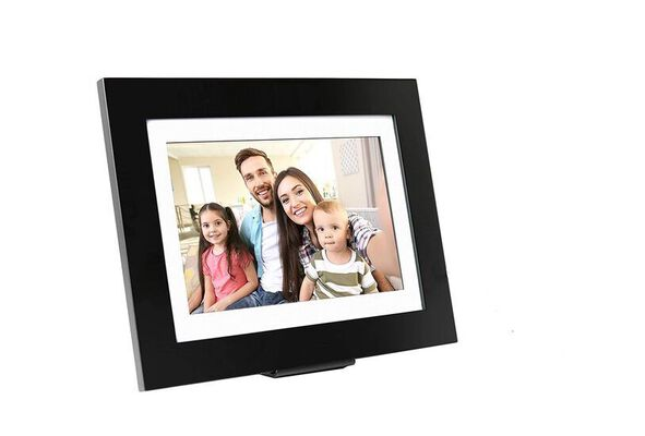 3. SimplySmart Home WiFi Photoshare Digital Photo Frame with SD and USB Support